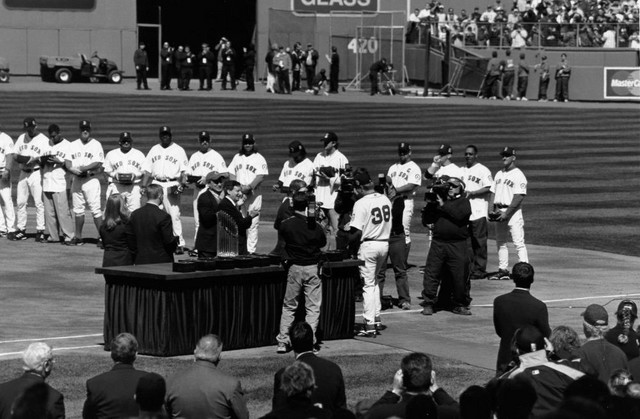 Curt Schilling gets his World Series ring (4/11/05)