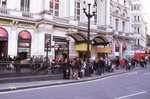 London is infested with tourists--even in November!